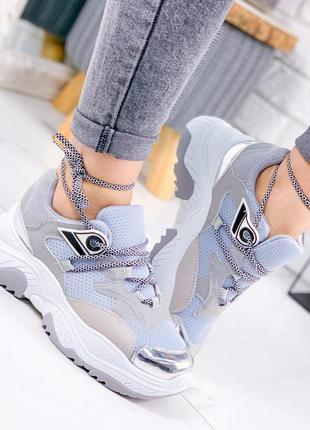Модные женские кроссовки 2020