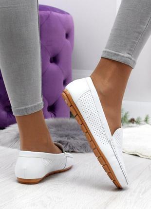 Туфельки с перфорацией