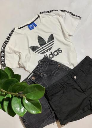 Хлопковый топ , футболка adidas с лампасами