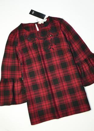 Красивая вискозная красная блуза в клетку с вышивкой