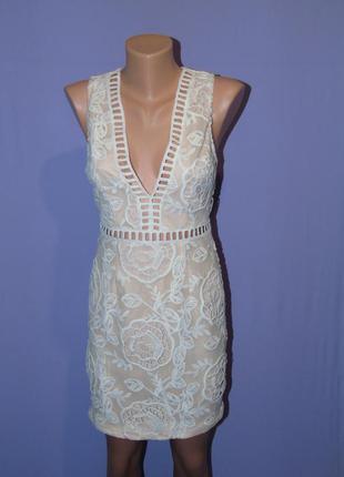 Маленькое нежное платье размер