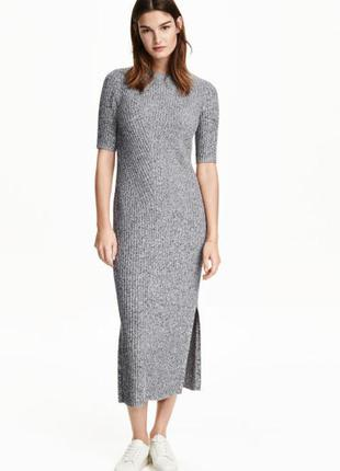 Красивое стильное трикотажное платье