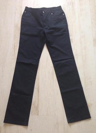 Брендовые  джинсы брюки черные стрейч burberry оригинал раз.40...