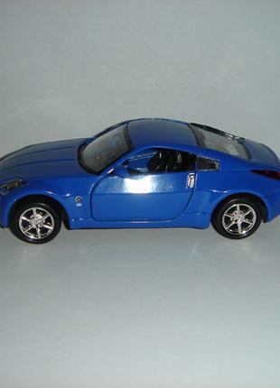 Машинка металлическая 2003 NISSAN FAIRLADY Z.