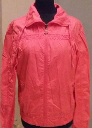 Куртка ветровка на х/б подкладке reserved раз.38-40( пог 50 см)