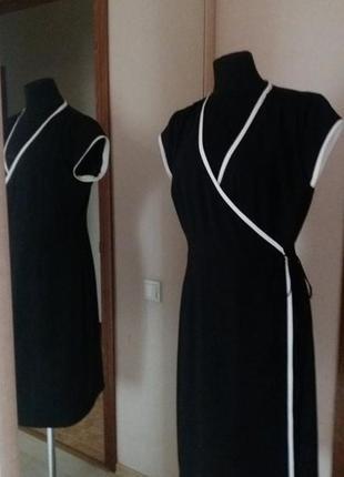 Брендовое платье на запах платье-халат черное с белой отделкой...