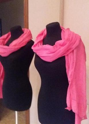 Нежный красивый розовый шарф шаль.можно как парео .