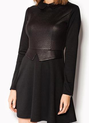Коктейльное вечернее деловое платье черное расклешенное с воро...