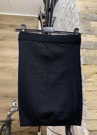 Юбка трикотаж черная на резинке по фигуре