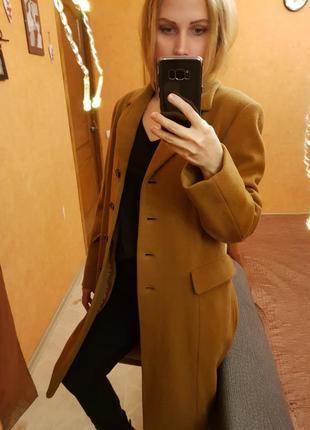 Коричневое весеннее пальто