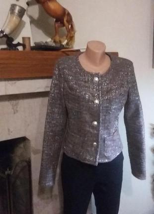 Очень красивый пиджак met  полноразмерный м