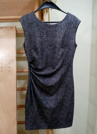 Плотное трикотажное платье с подкладкой