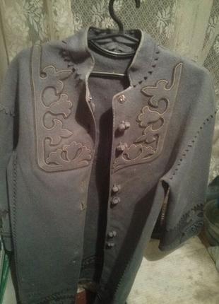 Пальто в национальном стиле