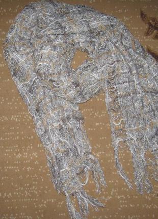 Красивый объемный теплый большой шарф