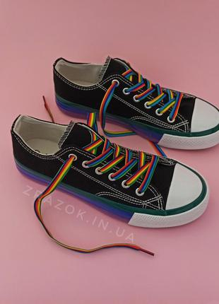 Черные кеды цветные шнурки радужные конверсы разноцветные