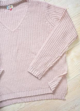 Красивый свитер пыльно-розового цвета с горлышком чокер