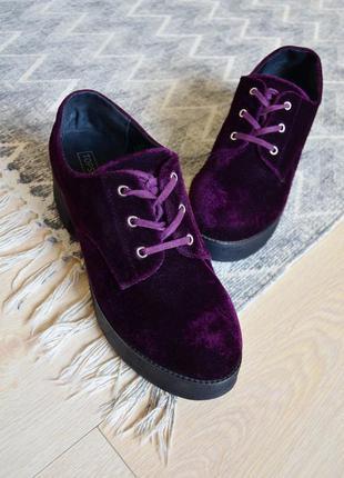 Бархатные туфли на платформе и каблуке