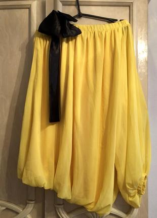 Шикарное платье на одно плечо с бантом