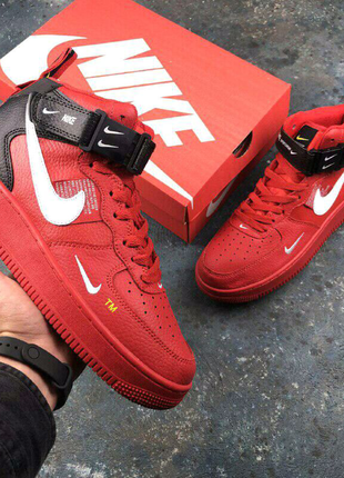 •Nike Air Force 1 07 Mid LV8 (красные)