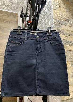 Юбка джинсовая  темно-синяя красивая базовая