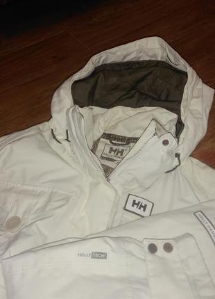 Крутейшая горнолыжная курточка helly hansen helly tech