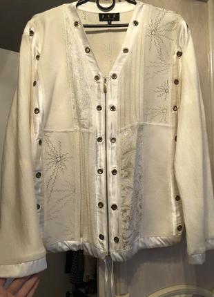 Шикарная кофта/бампер/пиджак/на молнии на 50% шерстяная с выши...