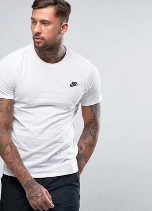 Крутейшая футболка от nike sportswear club embrid 827021-100
