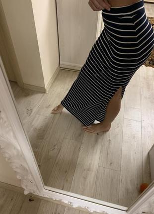 Стрейчевая  длинная юбка темно-синяя в белую полоску – р.42/44
