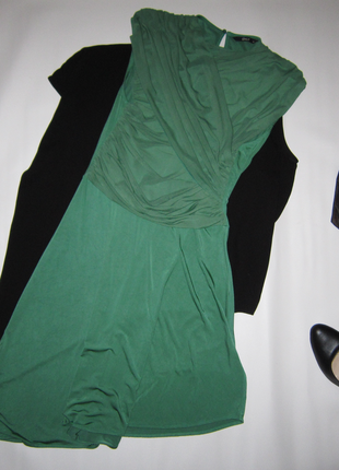 Красивенное приталенное платье драпировка ассиметричная юбка