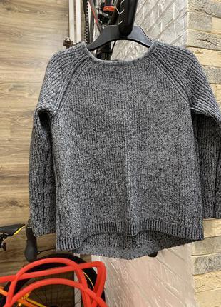 Стильный серый теплый свитер от edc
