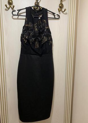 Шикарное платье по фигуре с открытой спиной на молнии john zac...