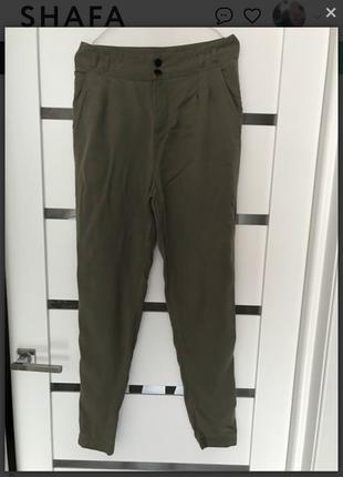 Легкие штаны хаки
