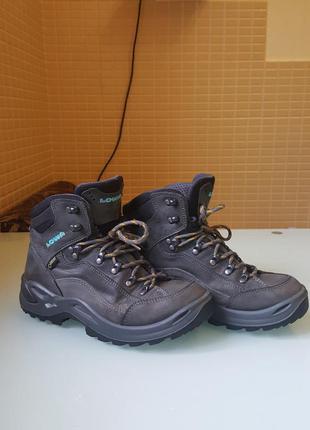 Зимние трекинговые  ботинки lowa