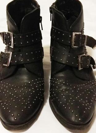 Крутейшие кожаные ботинки сапоги казаки reserved
