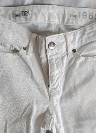 Шикарные белые джинсы gap