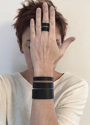 Кожаный браслет и кольцо. сет набор из нескольких колец и брас...