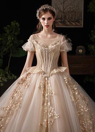 Весільна сукня пишна. свадебное платье а силуэт пышное