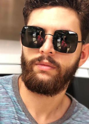 Стильные солнцезащитные очки ray ban