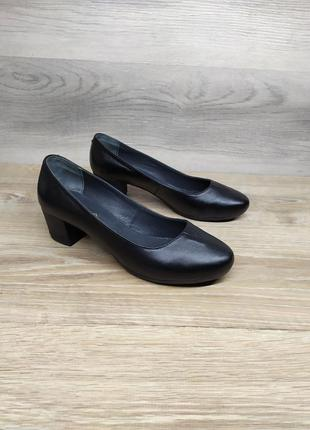 Кожаные женские туфли  37 39 40 размера , туфли лодочки  / шкі...