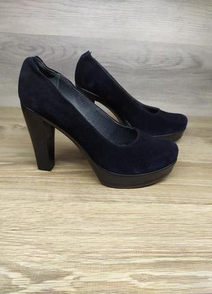 Замшевые  женские туфли 40 размера , туфли на каблуке  / замше...