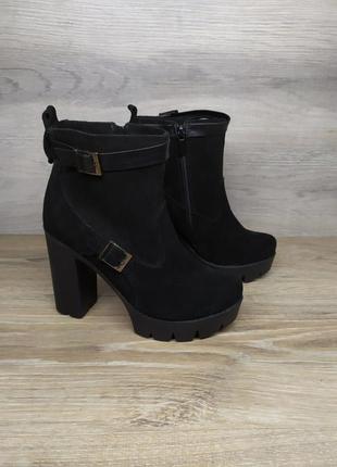Замшевые ботинки на каблуке женские , 37  размер , демисезонны...