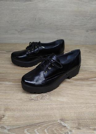 Кожаные туфли женские , 37 размер , туфли на шнурках   / шкіря...
