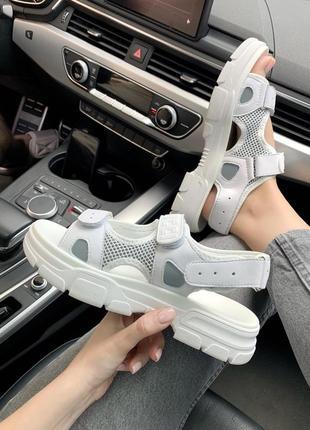 Топовые женские сандали, босоножки на липучках