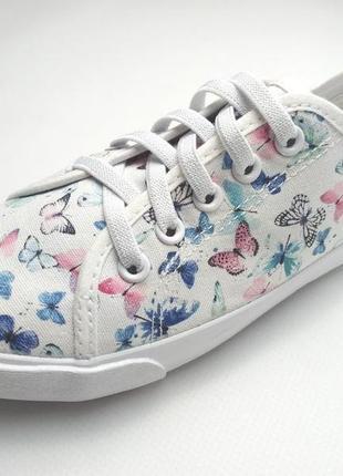 Белые кеды с бабочками на девочек. h&m