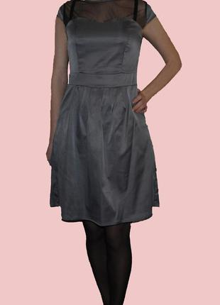Платье с сеткой и короткими рукавами