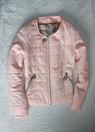 Милая нежно- персикового цвета курточка