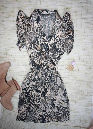 Красивое платье змеиный принт. платье на запах