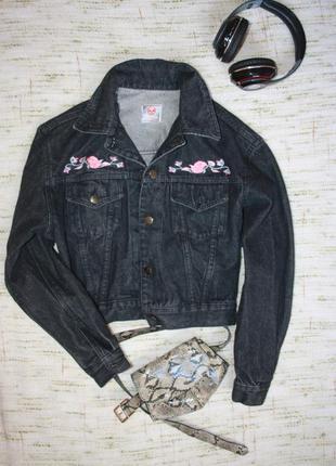 Джинсовый пиджак с вышивкой (италия )