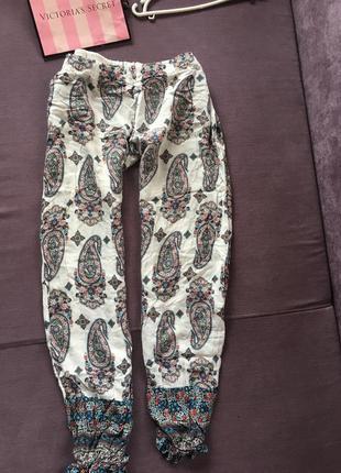 Модные легенькие штаны
