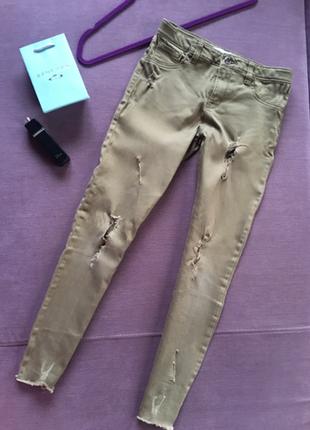 Актуальные укороченные джинсы , скинни denim  хаки с необработ...
